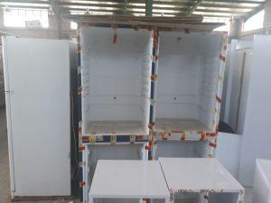 خط تولید یخچال نوشیدنی در کارخانه